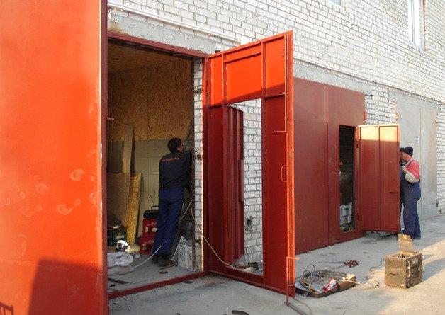 Монтаж ворот гаража
