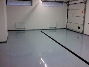 1. Наливной пол – один из оптимальных вариантов для гаража.