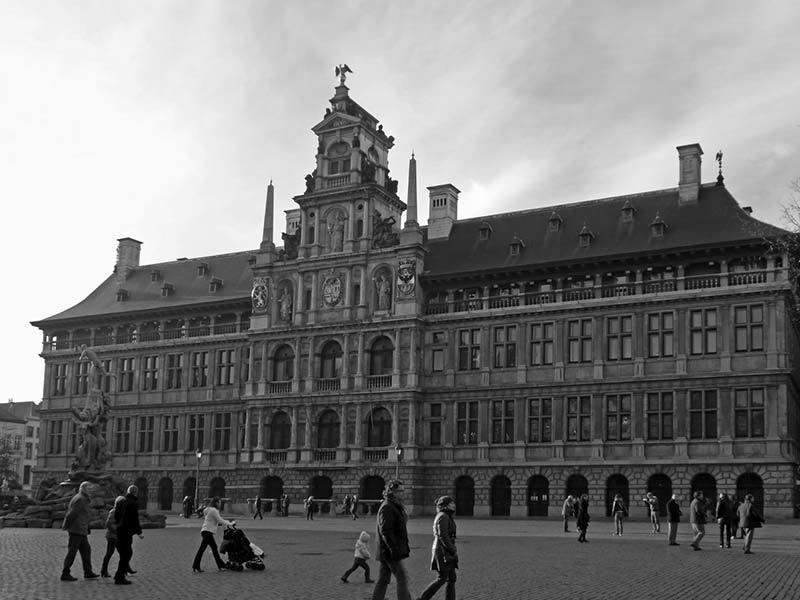 Фото ратуши в Антверпене